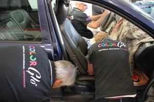 ColorGlo är ingen bilsadelmakare.  Men vi kan reparera alla inredningsmaterial såsom skinn, vinyl, tyg, plast och alcantara.